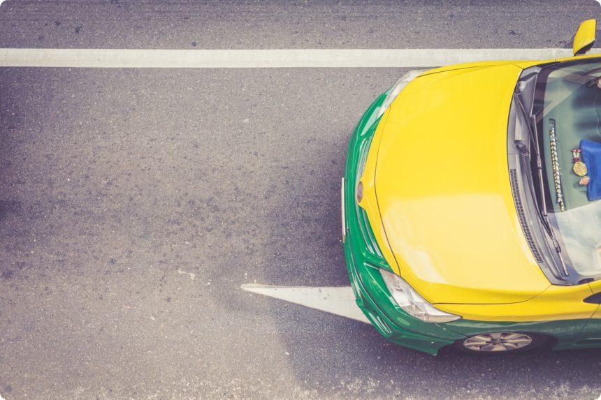 タイのタクシーの前の部分