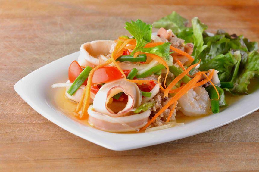 タイ料理 ヤムプラームック