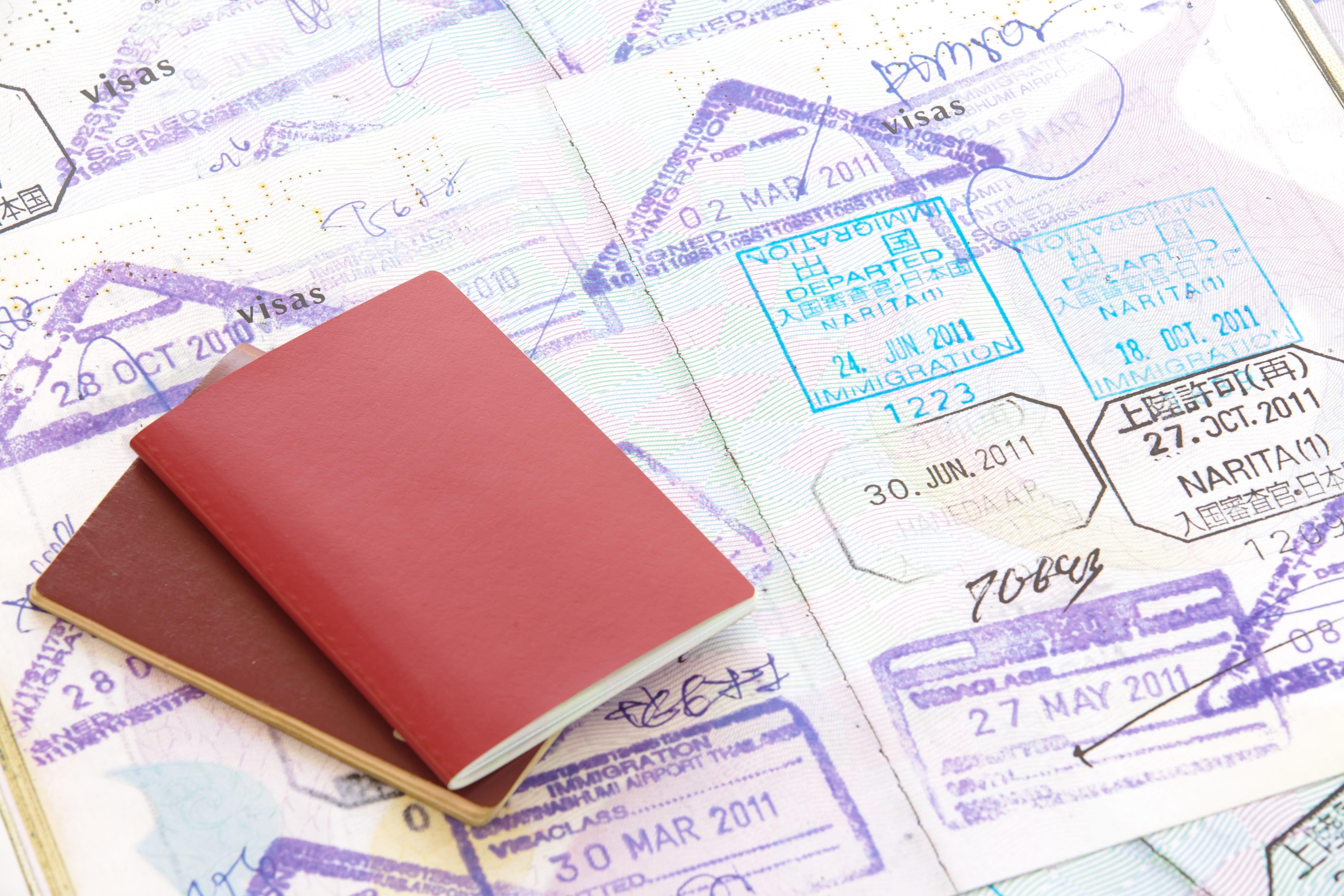 ビザスタンプとパスポート
