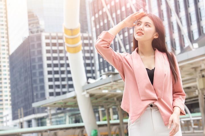 タイ 街中 女性