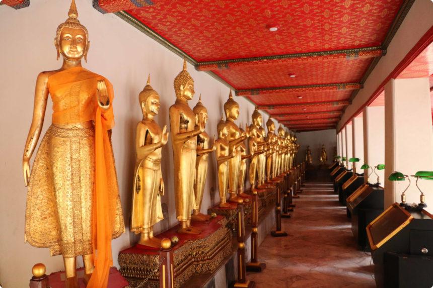ワットポーの回廊の150体の仏像