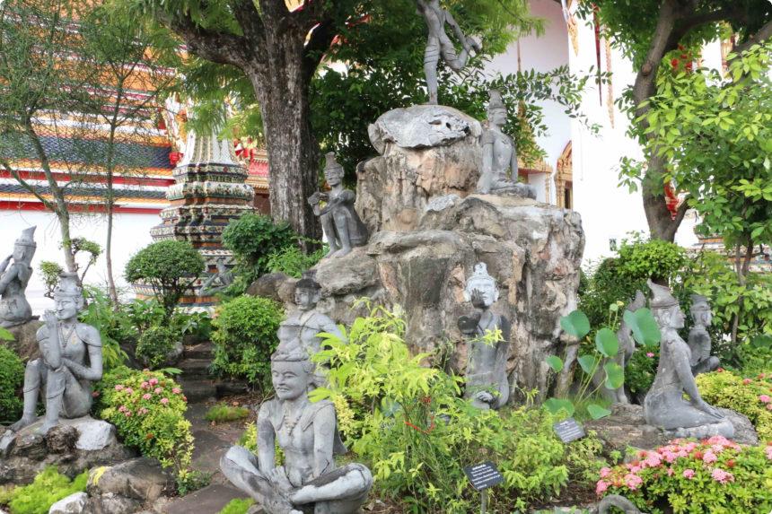 ワットポー マッサージの石像