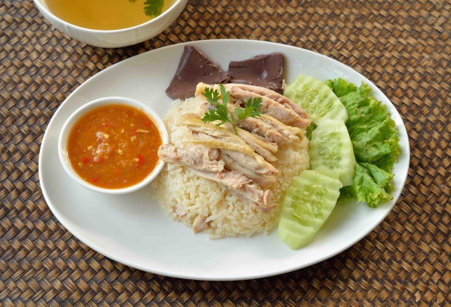 タイ料理:カオマンガイ(ข้าวมันไก่)