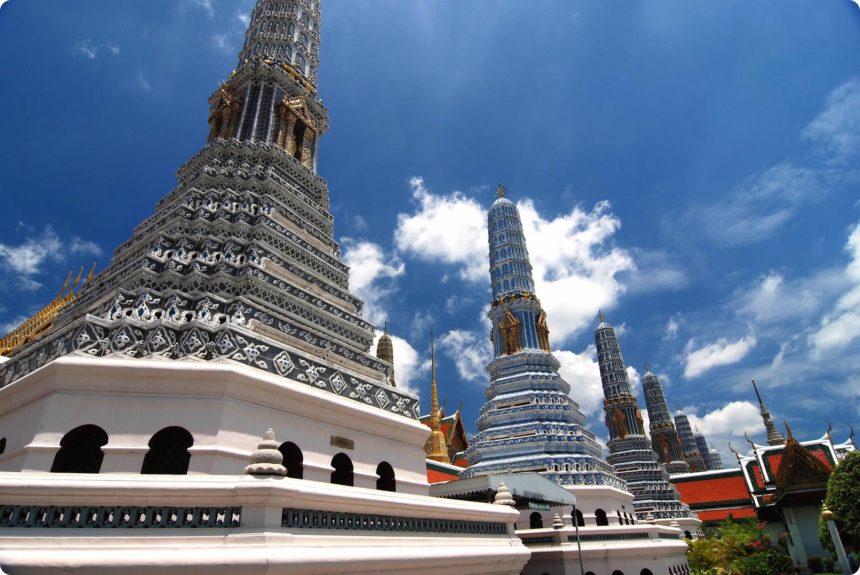 ワットプラケオ 仏塔