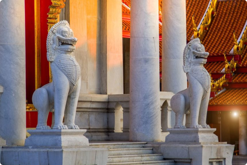 獅子の石像 シン