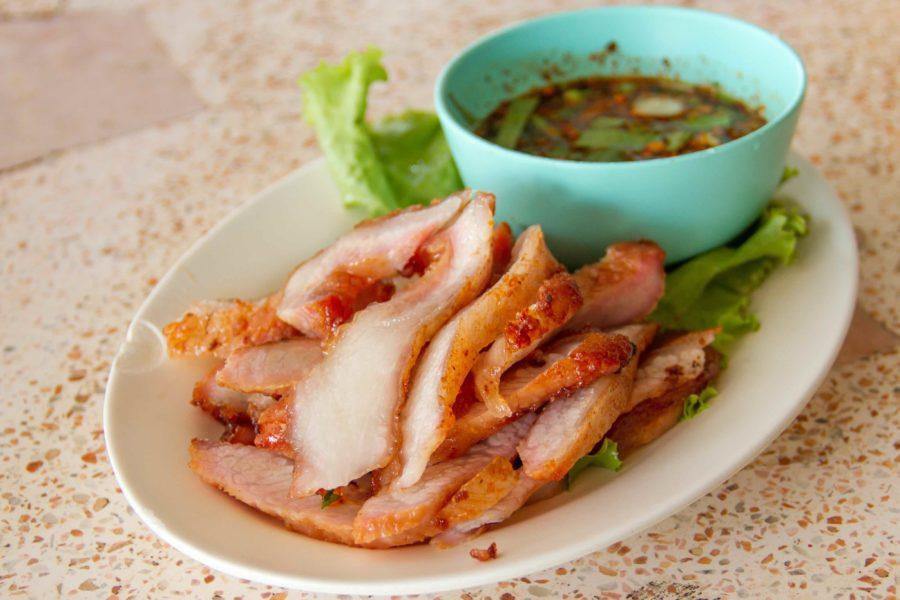 タイ料理:コームーヤーン(คอหมูย่าง)