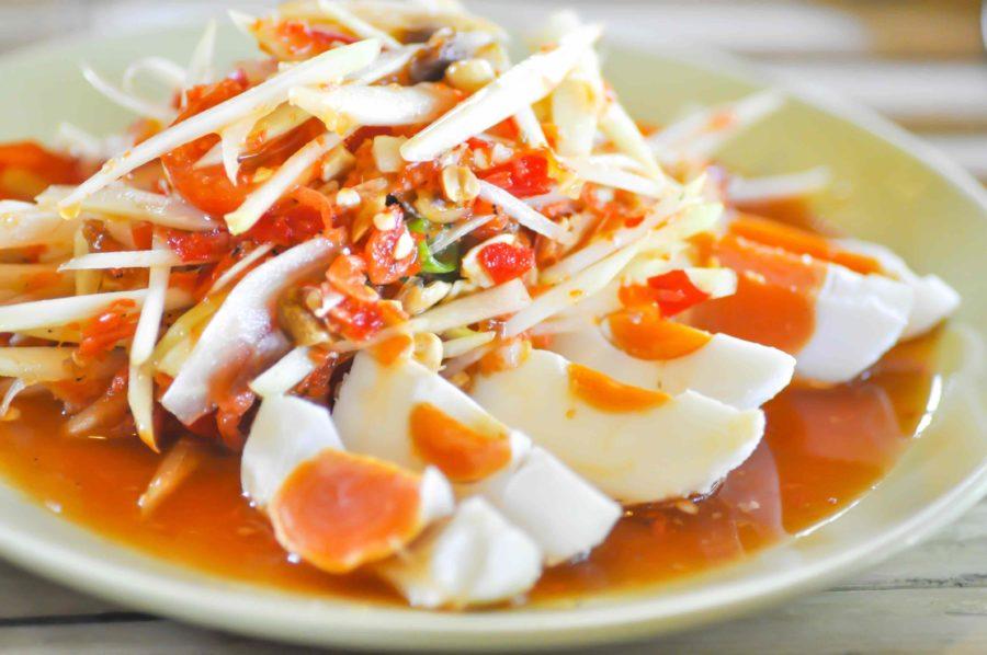 タイ料理:ソムタムカイケム(ส้มตำไข่เค็ม)