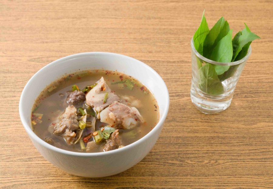 タイ料理: トムセープ(ต้มแซบ)