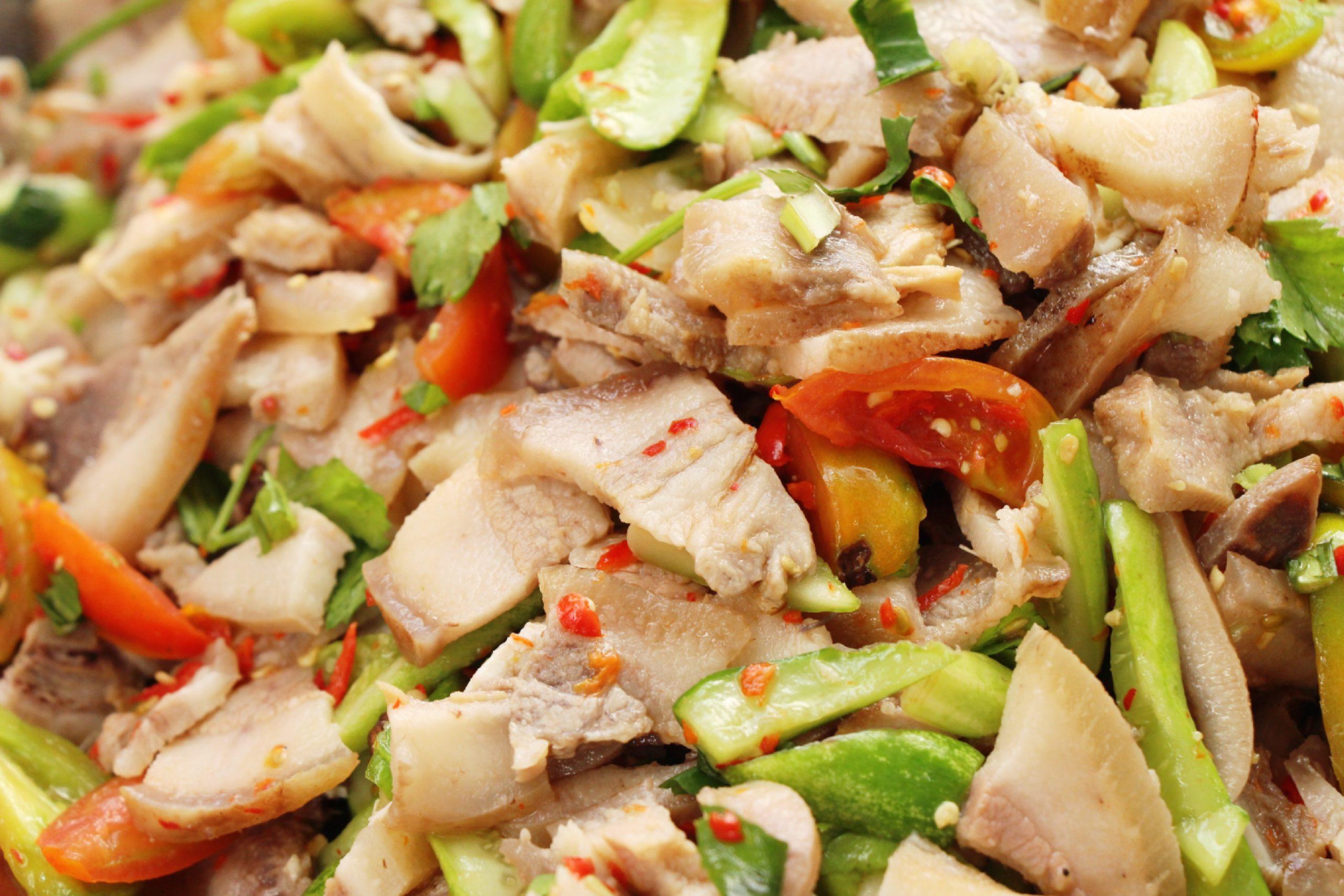 タイ料理:ヤムムー(ยำหมู)