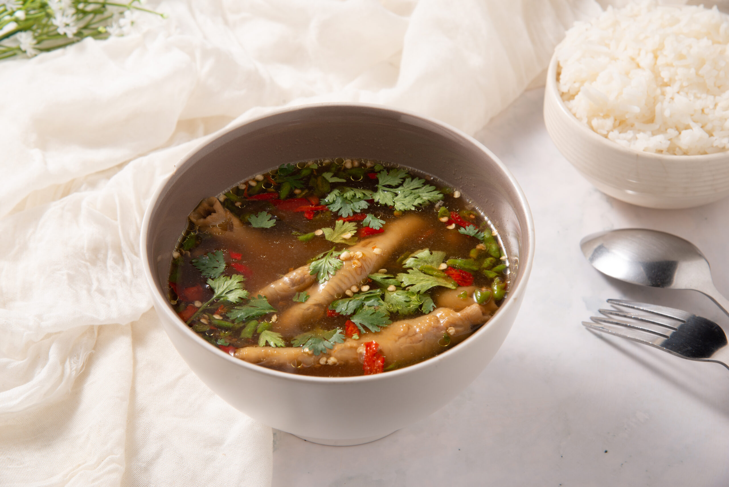 タイ料理:スーパーカーガイ(ซุปเปอร์ขาไก่)