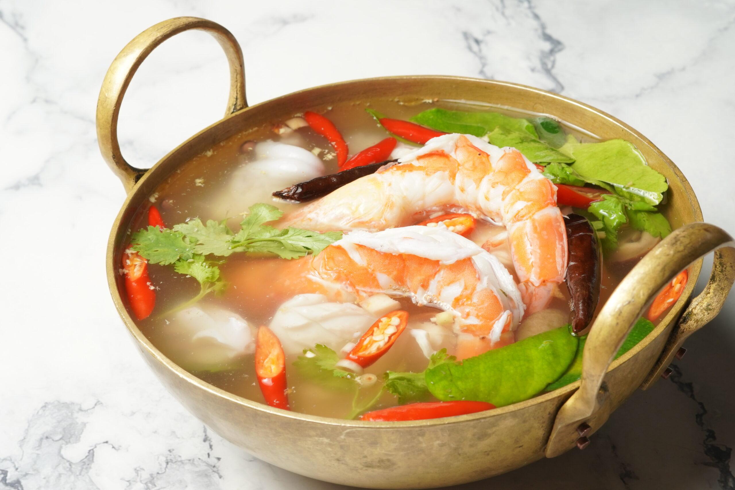 タイ料理:トムヤムタレー(ต้มยำทะเล)