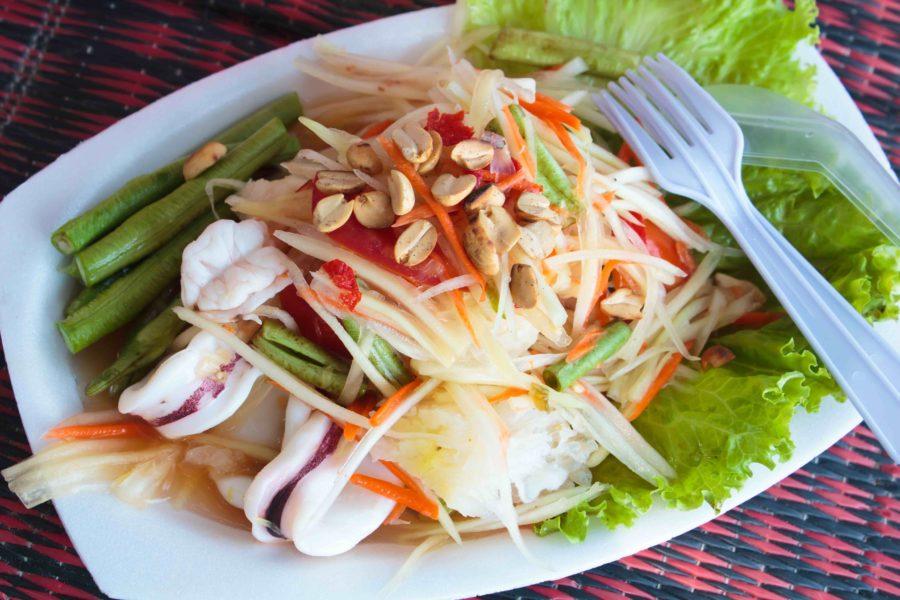 タイ料理:ソムタムタレー(ส้มทะเล)