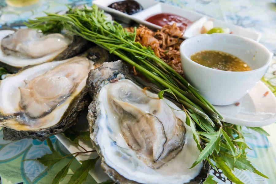 タイ料理:ホイナーンロムソンクルアン(หอยนางรมดิบ)