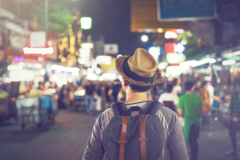 バンコク 旅行者男性