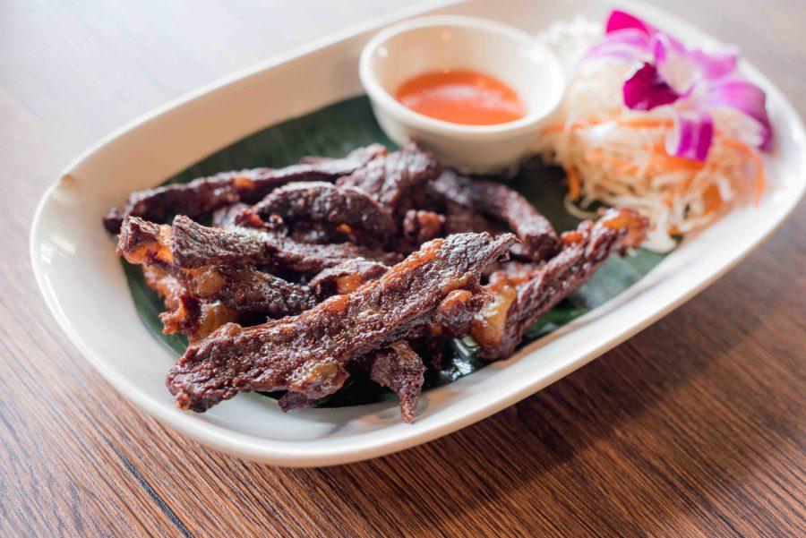 タイ料理:ヌアデートディアウ(เนื้อแดดเดียว)