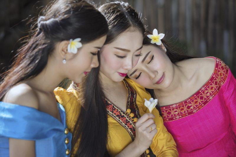タイ人女性 民族衣装