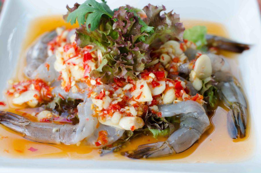 タイ料理:クンチェーナンプラー(กุ้งแช่น้ำปลา)