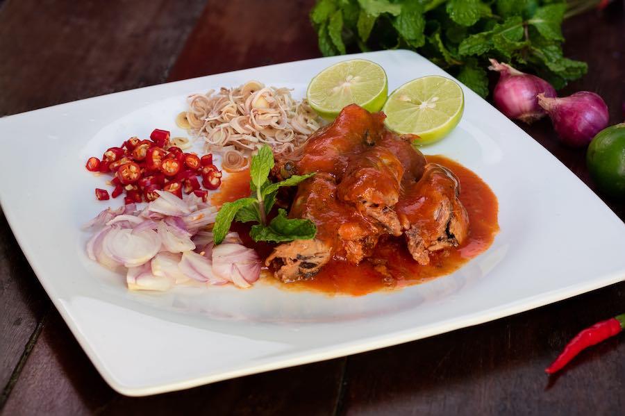 タイ料理:ヤムプラークラポン(ยำปลากระป๋อง)