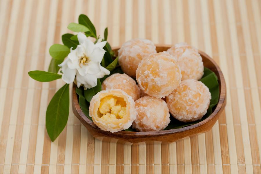 タイのデザート:カノムカイホン(ขนมไข่หงส์)