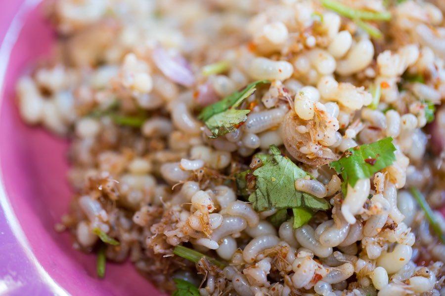 タイ料理:カイモッデーン(ไข่มดแดง)
