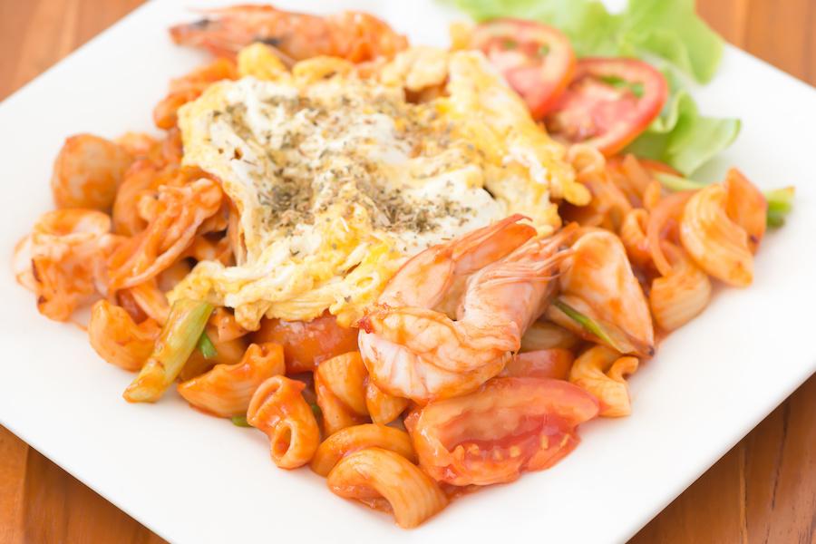タイ料理:パットマカロニ(ผัดมักโรนี)