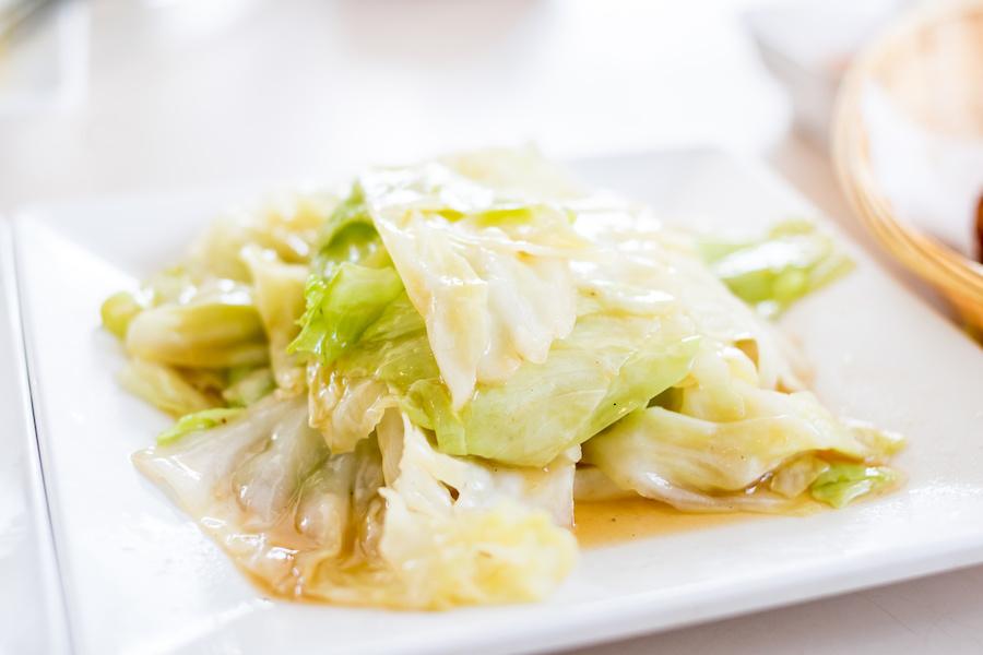 タイ料理:パットガラムプリー(กะหล่ำปลีทอดน้ำปลา)