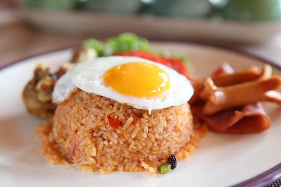 タイ料理:カオパットアメリカン(ข้าวผัดอเมริกัน)