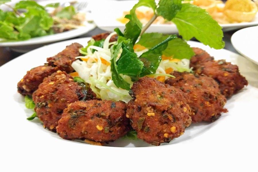タイ料理:ラープトート(ลาบทอด )