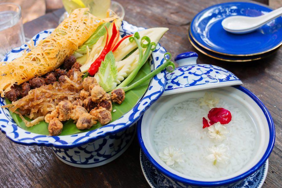 タイ料理:カオチェー(ข้าวแช่)
