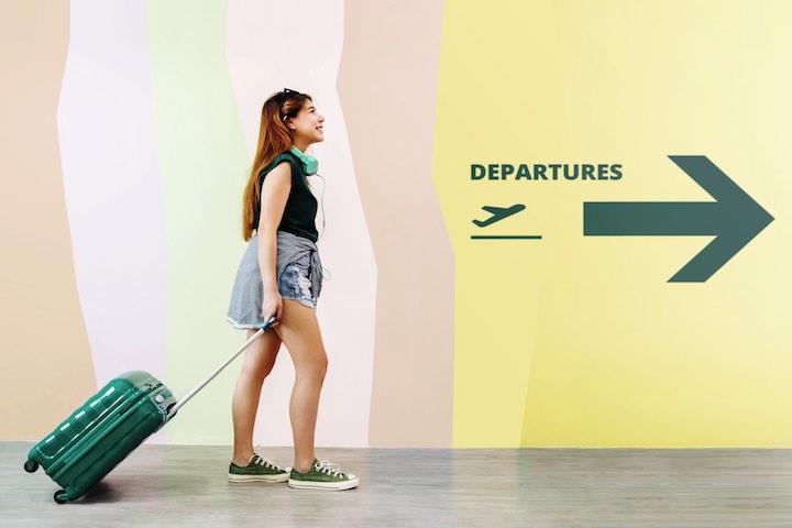 タイ 空港 女性