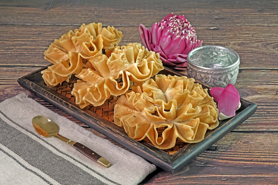 タイのお菓子:カノムドークジョーク(ขนมดอกจอก)