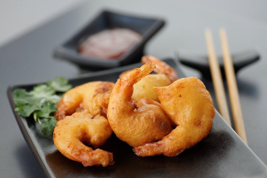 タイ料理:クンチュッペントート(กุ้งชุบแป้งทอด)