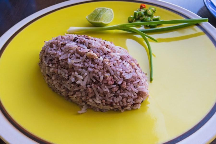 タイ料理:カオパットナムリアップ(ข้าวผัดหนำเลี๊ยบ)