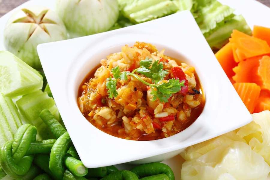 タイ料理:ナムプリッククンシアップ(น้ำพริกกุ้งเสียบ)