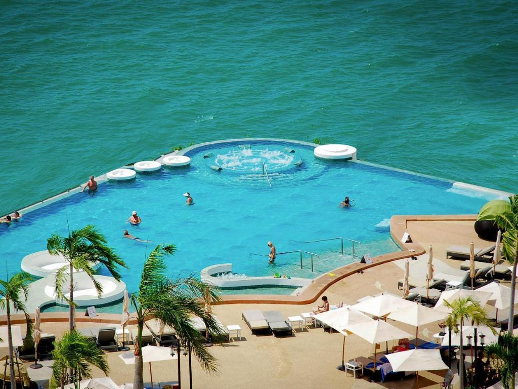 ロイヤル クリフ ビーチ ホテル