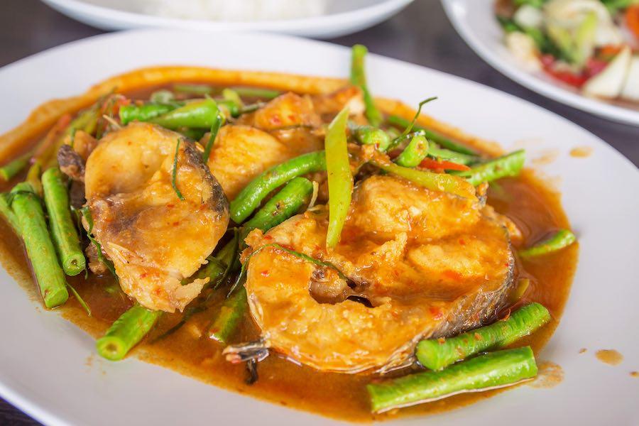 タイ料理:パットペットプラードゥック(ผัดปลาดุก)
