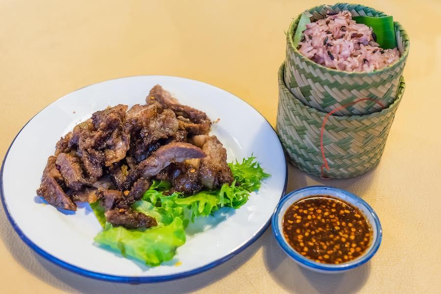 タイ料理:スアローンハイ(เสือร้องไห้ )