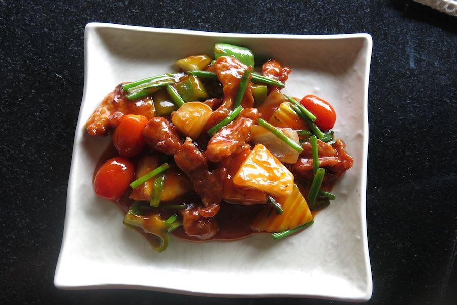 タイ料理:パットプリアオワーン(ปลาจาระเม็ดผัดเปรี้ยวหวาน)