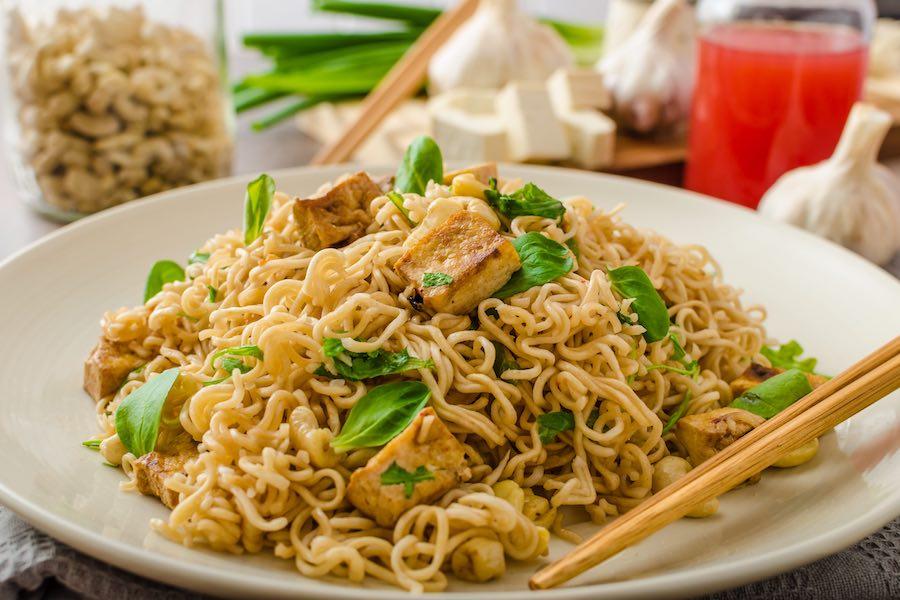 タイ料理:パットママー(ผัดมาม่า)