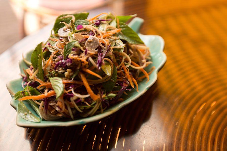 タイ料理:ヤムフアプリー(ยำหัวปลี)