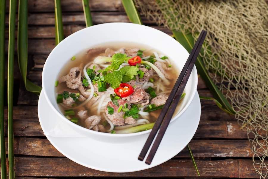 タイ料理:クイジャップユアン(ก๋วยจั๊บญวน)