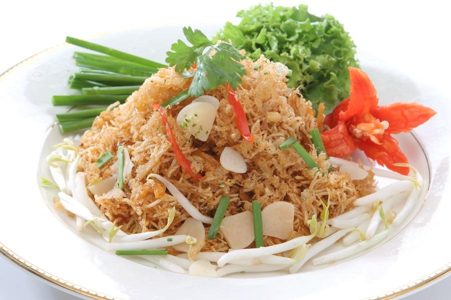 タイ料理:ミークローブ(หมี่กรอบ)