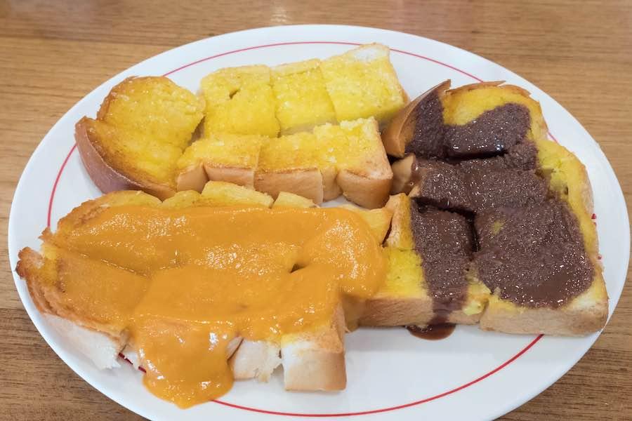 タイのお菓子:カノムパンピン(ขนมปังปิ้ง)