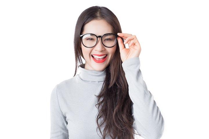 タイ人女性 メガネ