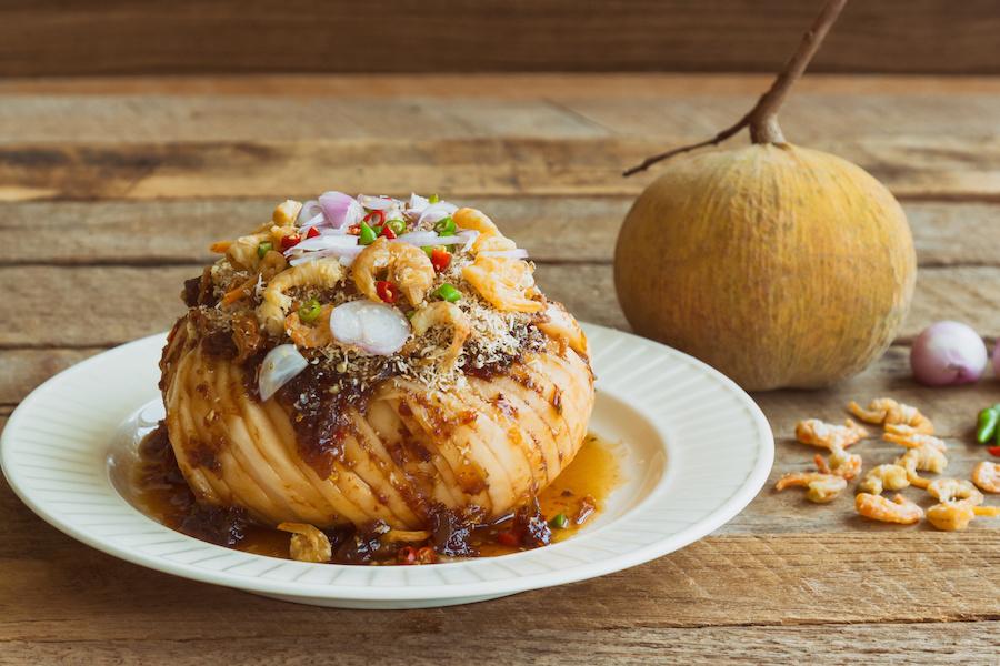 タイ料理:ヤムグラトーン(ยำกระท้อน)