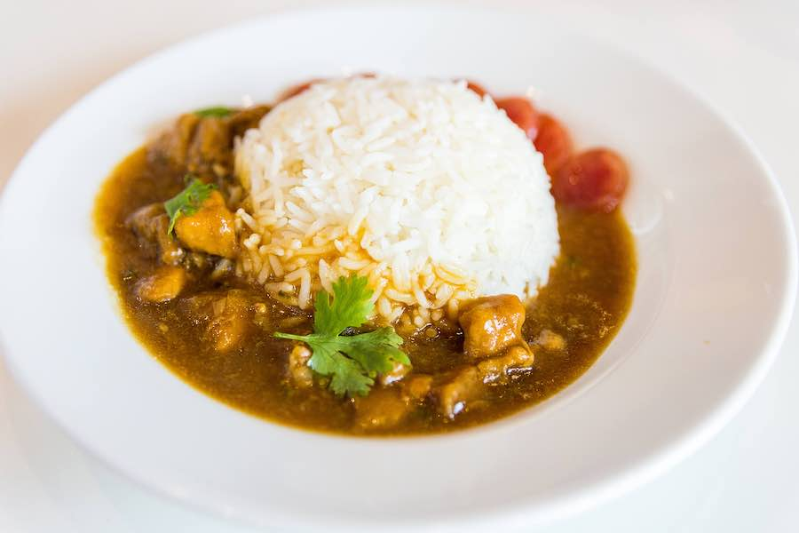 タイ料理:カオナーガイ(ข้าวหน้าไก่)