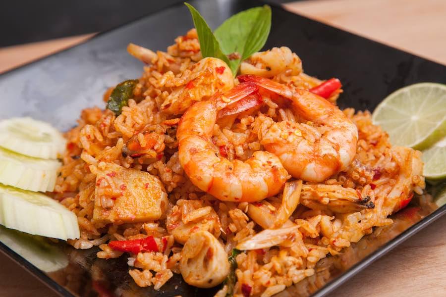 タイ料理:カオパットトムヤム(ข้าวผัดต้มยํา)