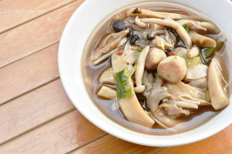 タイ料理:ゲーンヘット(ข้าวหน้าไก่)
