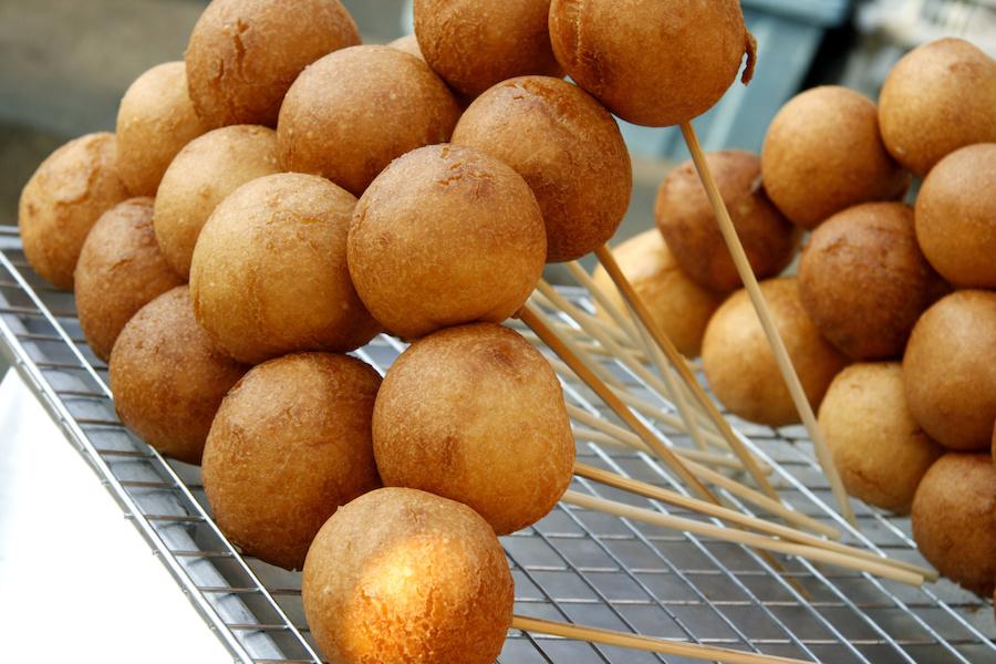タイのお菓子:ボーンネン(โป๊งเหน่ง)