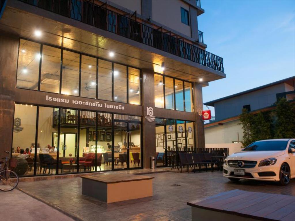 ザシックスティーンスナイヤンビーチホテル